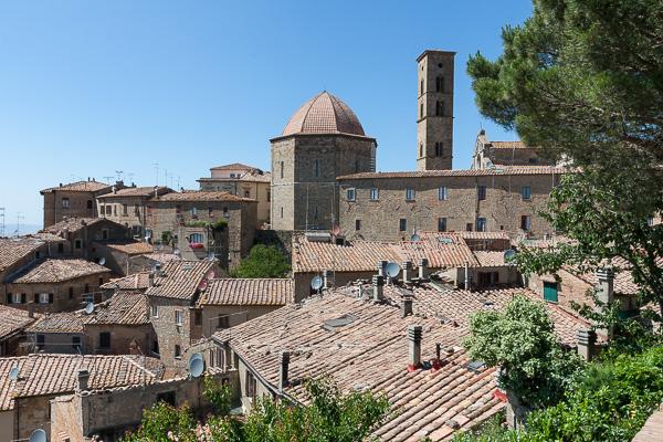 Toskana - Volterra - Baptisterium