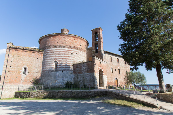 Toskana - San Galgano - Einsiedelei Montesiepi